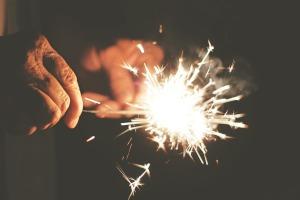 sparks-407702_1920